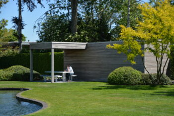Out Moar poolhouse met terrasoverkapping